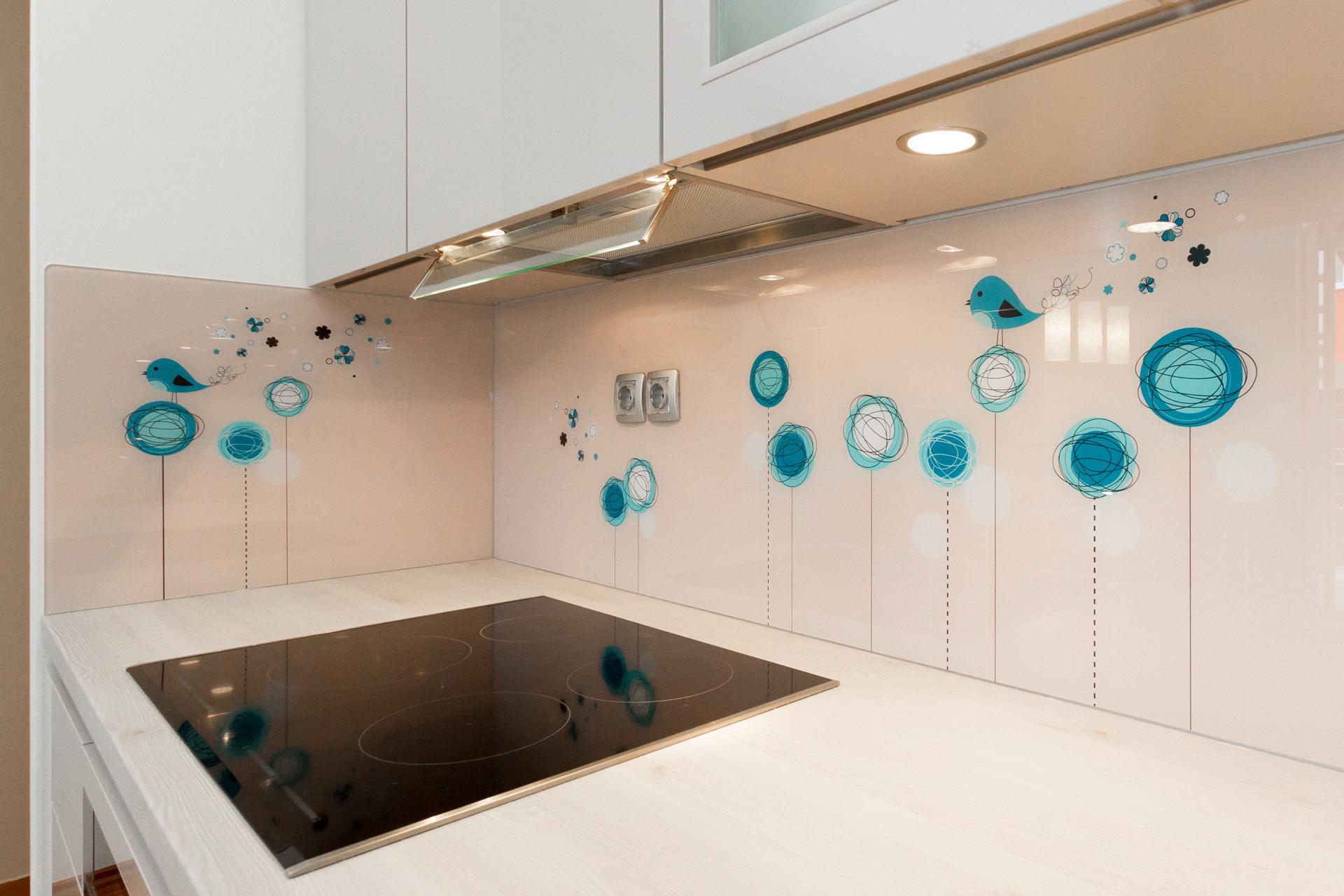 081-steklene-kuhinjske-obloge-plausteiner-hq-b