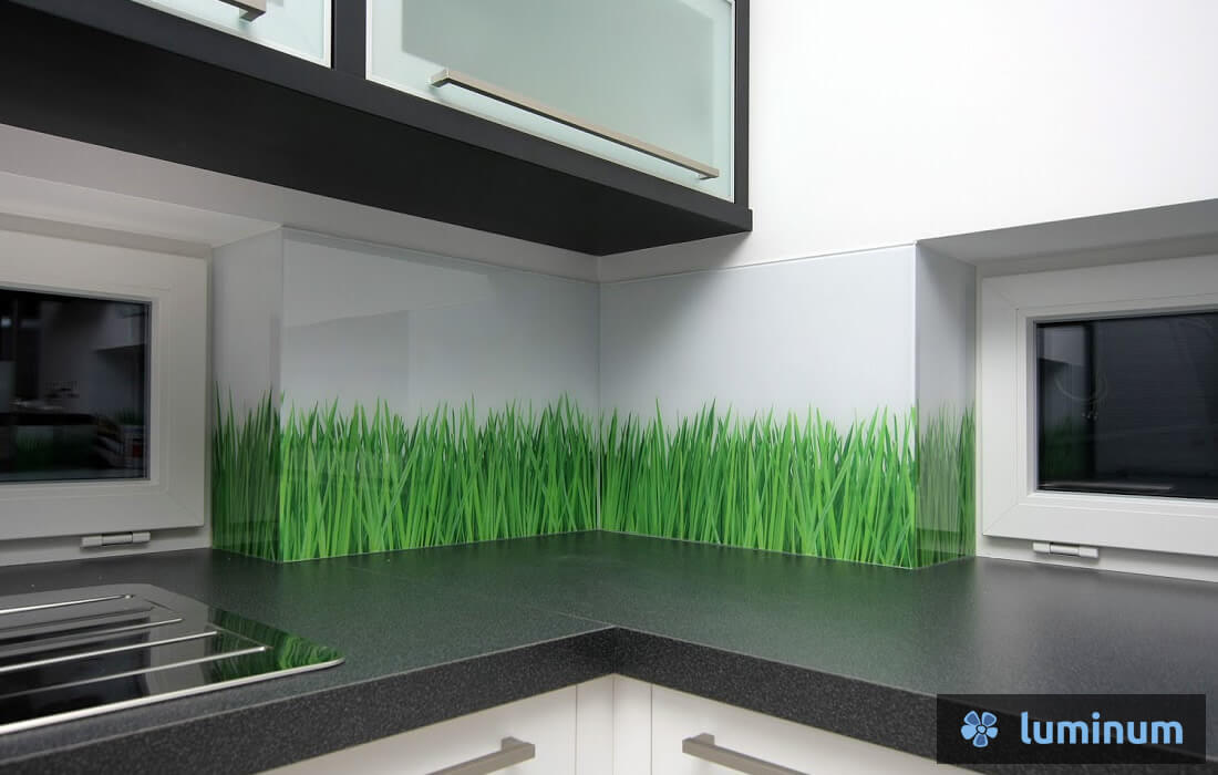 Motiv zelene trave na kuhinjskih steklih