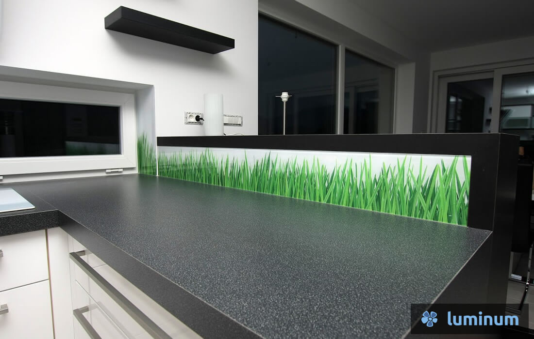 kuhinjska stekla s travo oz. z žitom