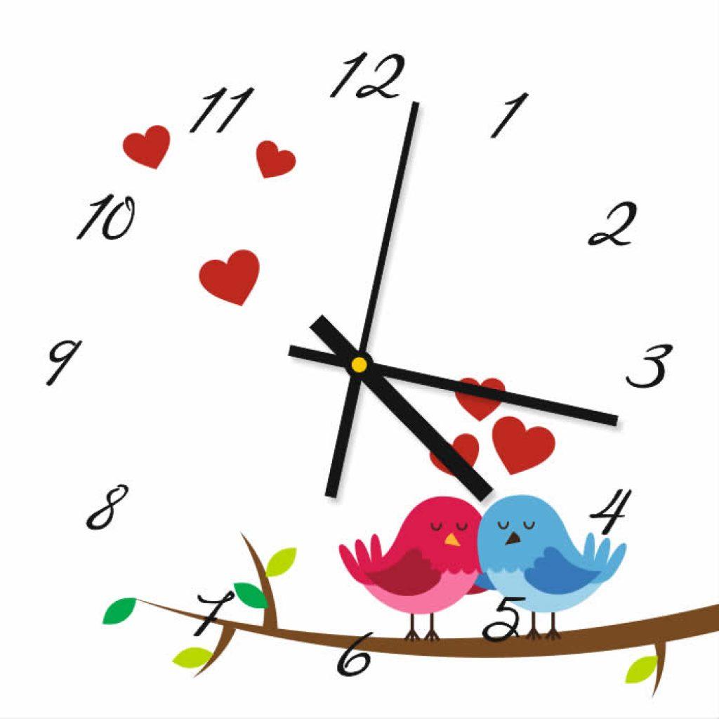 Steklena ura z zaljubljenimi ptički