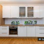 zelišča na belem ozadju - kuhinjsko steklo Luminum